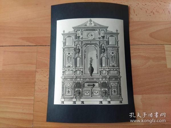 1890年木刻版画《1889年巴黎世界博览会展品:西洋古董家具,橡木雕花瓷器陈列柜》(ANTIQUE MAHOGANY SECRETAIRE AND CHINA CABINET,ATTRIBUTED TO SHERATON)-- 法国巴黎第四届世界博览会展品 -- 后附卡纸29*21厘米,版画纸张21*17.5厘米