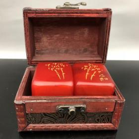 旧藏 木盒装田黄石对章 尺寸:5*4*5厘米(单个) 总重量:573.5克
