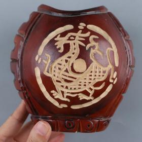 椰壳整雕双面开光青龙图案笔筒 一件(高12.5、厚11.5、宽13.5cm)HXTX226209