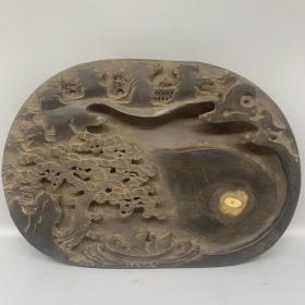 老石雕迎客松大砚台 尺寸:32.5*23*5cm 重量:5.95kg