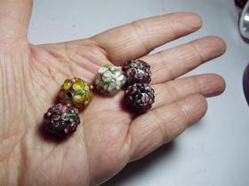 大清彩色琉璃珠一枚