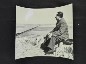 1952年 侯波摄 老主席观察黄河老照片 一张 HXTX310252
