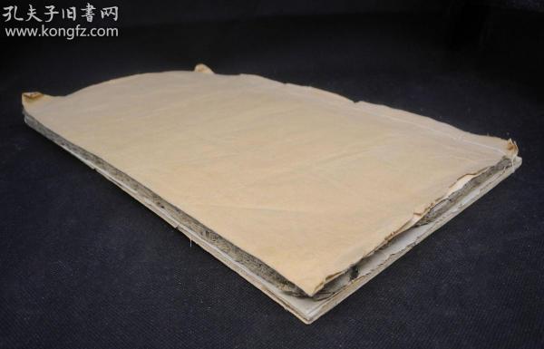 清代或者明代拓本《玄秘塔碑》一巨大册,45厘米长,26厘米宽,。为清劲挺拔、瘦硬通神,在唐晚期以一种新的书体及其劲媚之美引起了人们对柳体的赞赏,它是柳公权书法创作生涯中的一座里程碑不避讳玄弘玄字不缺笔