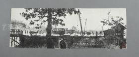 著名版画家、美术教育家、原中国版协主席 李桦 石版画作品《工地清晨》一幅(曾有出版,钤印:桦,尺寸:10*27.5cm)HXTX310649